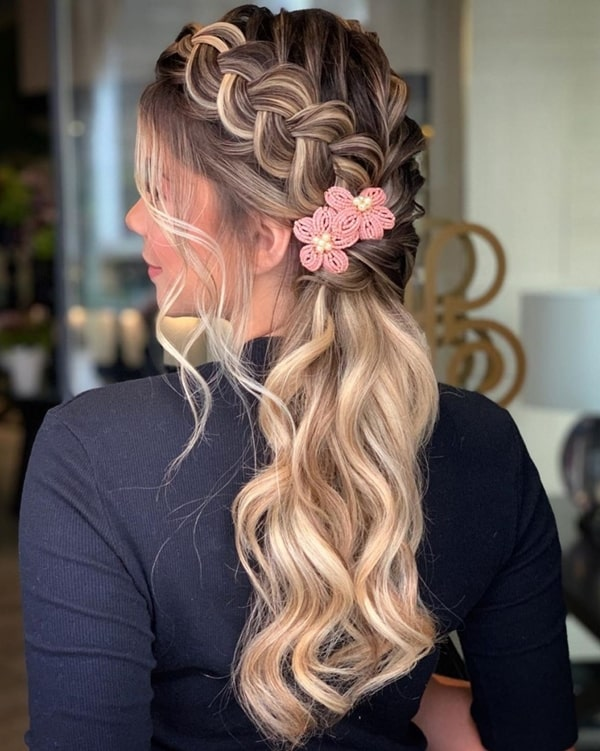 party hairstyle semi fastened with hairpin clip