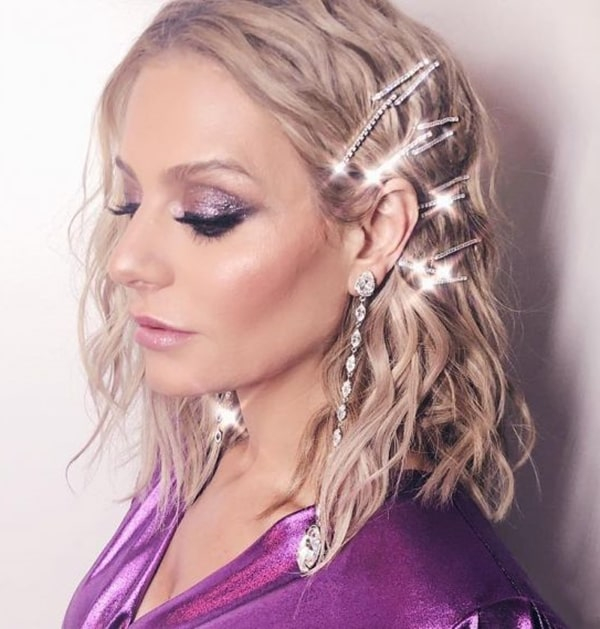 short party hairstyle with clip