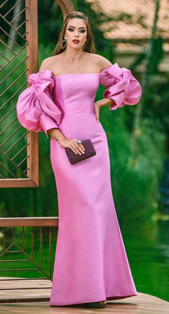 long roasa party dress with puffed sleeves