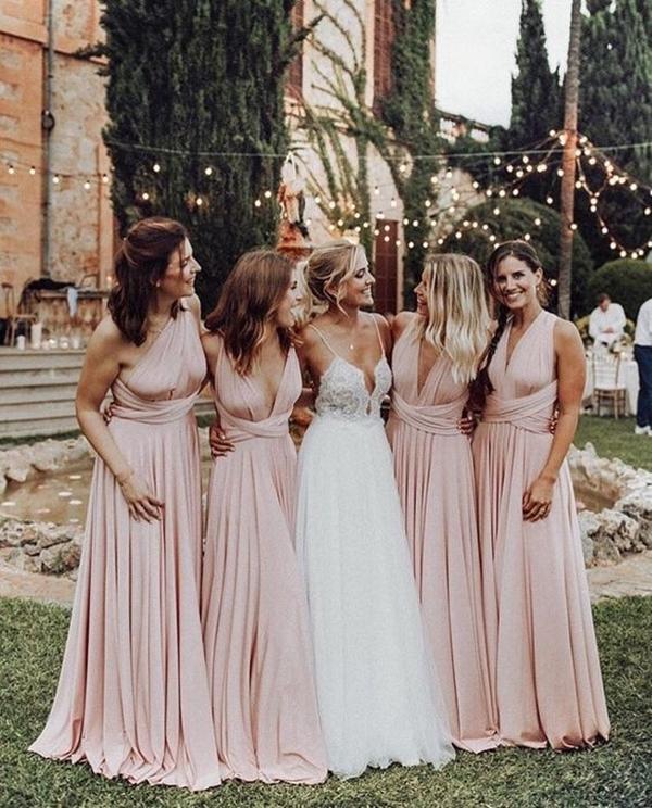 tying dress for bridesmaid photos