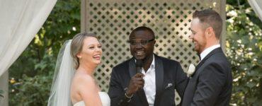 Do wedding officiants memorize?