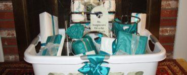Is $200 a good wedding gift?