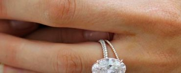 What is Blake Lively's engagement ring?