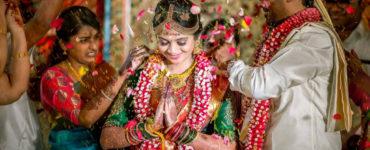 Why do Hindu brides wear yellow?